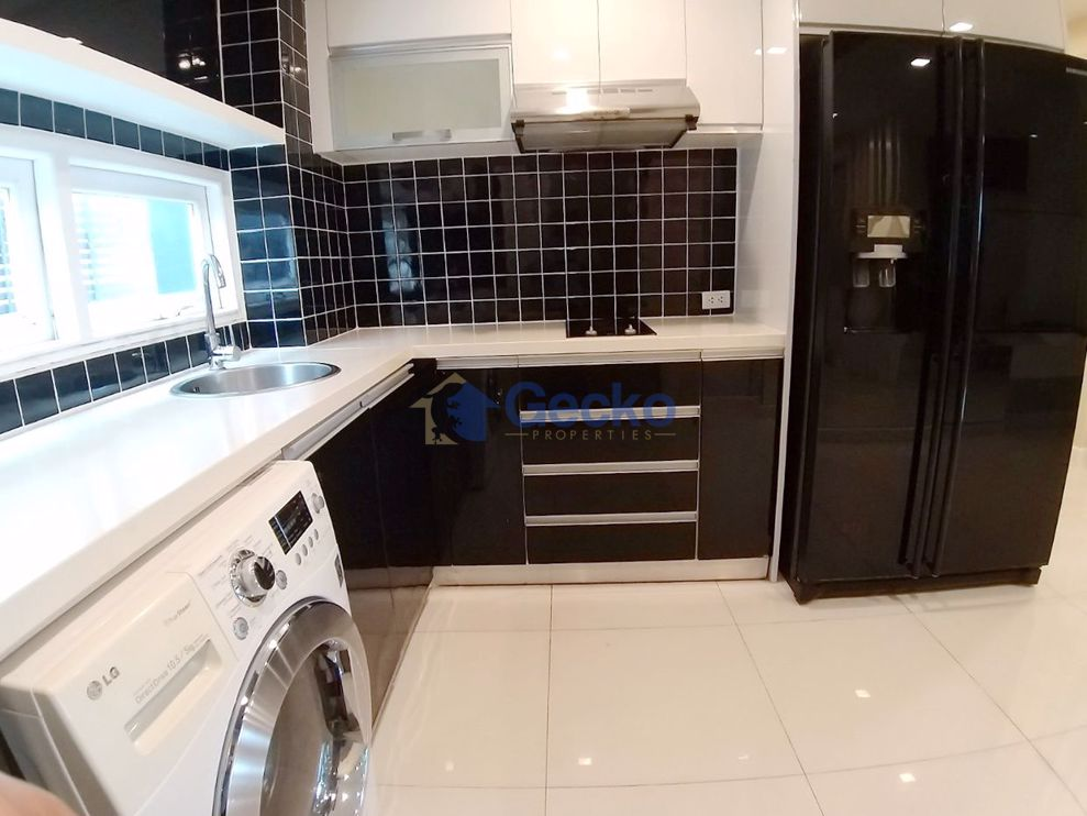 Picture of 3 Bedrooms Condo in Apus Condominium Central Pattaya C009422