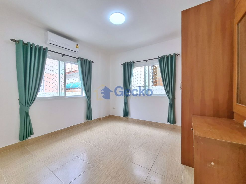 Picture of 2 Bedrooms House in Classic Home Village  East Pattaya H009467