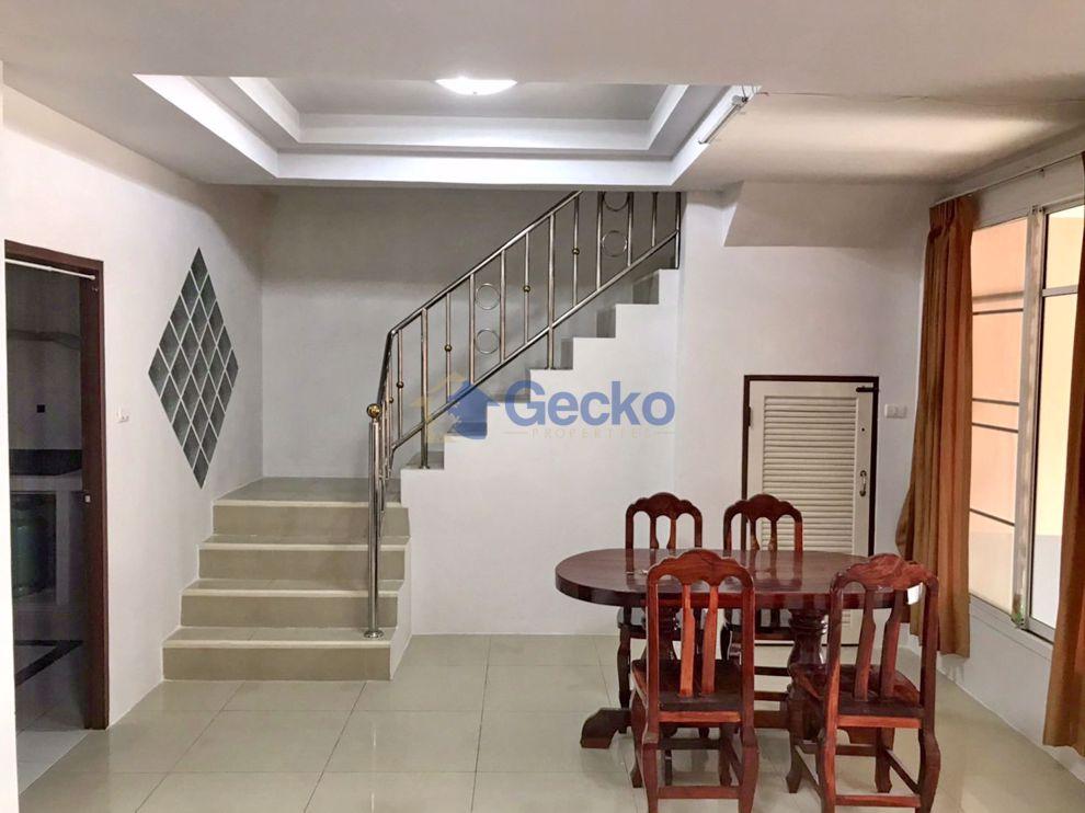 รูปภาพ 3 ห้องนอน บ้าน in Chokchai Gardens 4  พัทยาตะวันออก H009541
