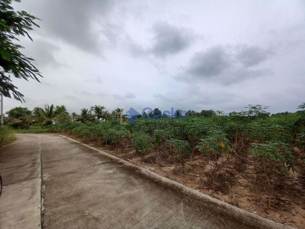 Picture of Land available in East Pattaya L009570
