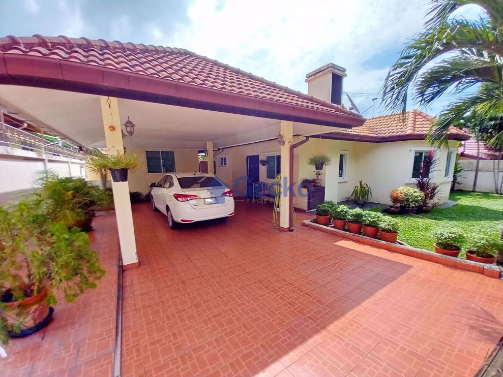 Picture of 3 Bedrooms House in Lakeside Court  East Pattaya H009573